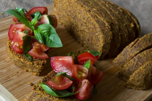 Raw Seitan: A Healthy Alternative to Bread and Cookie